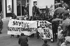 在反对Macrow la的一法国全国性天期间政治行军 图库摄影