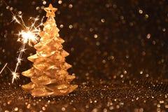 在发光的黑背景的圣诞节装饰 库存图片