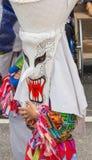 在发埃Ta Khon节日的五颜六色的鬼魂面具performaer, Loei,泰国 免版税库存照片