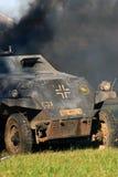 在发烟的德国坦克 莫斯科争斗历史再制定 免版税图库摄影
