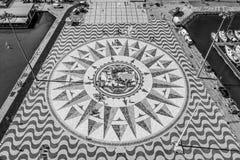 在发现的纪念碑的著名罗盘在里斯本贝拉母-里斯本/葡萄牙- 2017年6月14日 免版税库存图片
