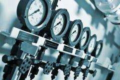在发电站的测压器 免版税库存照片