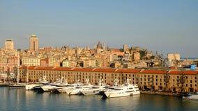 在口岸和城市热那亚-意大利的看法- 24 04 2017年 库存照片