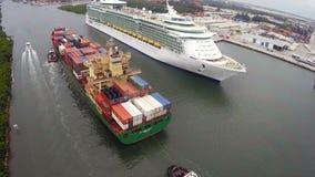 在口岸沼泽地佛罗里达的船 影视素材