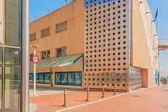 在口岸的现代大厦奥林匹克在巴塞罗那,西班牙 图库摄影