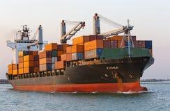 在口岸的货船,威尼斯,意大利 免版税库存图片