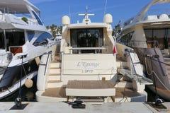 在口岸皮埃尔旋律停住的游艇在戛纳 免版税图库摄影
