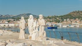 在口岸-阿斯科利皮切诺-意大利的雕象 免版税库存照片