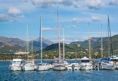 在口岸d'Andratx停泊的小船 库存照片