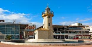 在口岸El Grao (Castellon de la Plana),西班牙的灯塔 库存照片