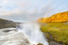 在古佛斯瀑布瀑布,冰岛的彩虹 免版税库存照片