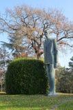 在古列尔莫・马可尼基础的一个金属雕象在Sasso Marc 免版税库存图片