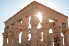 在古埃及下的太阳星 图库摄影