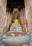 在古庙的菩萨雕象 库存图片