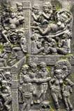 在古庙,清迈, THAIL的佛教雕刻的艺术墙壁 免版税图库摄影