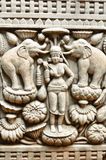 在古庙,清迈, THAIL的佛教雕刻的艺术墙壁 库存图片