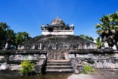 在古老佛教寺庙的老建筑学 库存照片