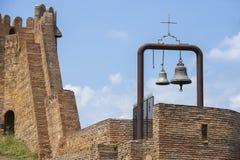 在古老堡垒Narikala,第比利斯,乔治亚的响铃 免版税库存照片