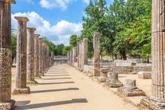 在古老奥林匹亚,伯罗奔尼撒半岛,希腊的废墟 库存图片