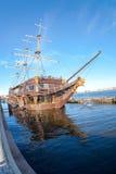 在古老帆船的Fisheye视图在Kronverk堤防 免版税图库摄影
