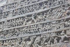 在古老石头被雕刻的Kailasa寺庙墙壁上的艺术,不使16, Ellora陷下陷下,印度 库存照片