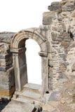 在古老罗马废墟的门道入口 免版税库存图片