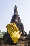 在古老菩萨雕象后 免版税图库摄影
