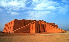在古老Ur的被恢复的ziggurat,苏美尔人的寺庙,伊拉克 免版税图库摄影