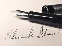 在古色古香的信件的钢笔 免版税库存图片