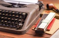 在古色古香的打字机的细节 库存图片
