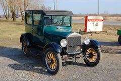 在古董车显示的福特T设计 库存照片