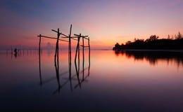 在古达,沙巴,马来西亚,婆罗洲的平静的日出 库存照片
