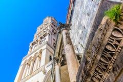 在古镇分裂的钟楼,克罗地亚 免版税库存图片