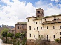 在台伯河海岛上的医院在罗马意大利 库存照片