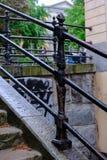 在台阶的扶手栏杆 免版税库存照片