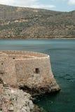 在史宾纳隆加岛海岛,克利特,希腊上的老威尼斯式堡垒 免版税图库摄影