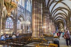 在史特拉斯堡大教堂里面 免版税库存图片