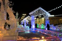 在叶卡捷琳堡市冰有雕塑的镇, 2016年 库存照片