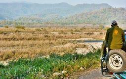 在吉姆Corbett国家公园的狂放的徒步旅行队 库存图片