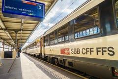在吉恩威Cornavin火车站的高速火车 库存图片