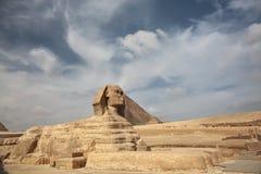 在吉萨棉和金字塔的狮身人面象 库存图片
