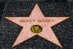 在名望Hollwyood步行的米基・鲁尼星  库存照片