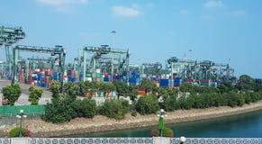 在后勤的进出口和的事务的集装箱船 免版税图库摄影