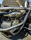 在后面的发动机有备用轮胎的 图库摄影