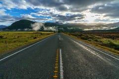 在向Milford Sound的路上,南方,新西兰3 免版税图库摄影