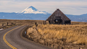 在向Mt的路上 敞篷 库存图片