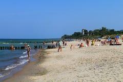 在含沙海岸的暑假 免版税库存照片
