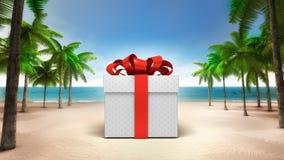 在含沙热带海滩的被包裹的礼物盒 免版税库存照片