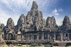 在吴哥窟的古老Bayon寺庙12世纪,暹粒,柬埔寨 免版税库存照片