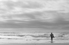 在和平的海浪 免版税库存图片